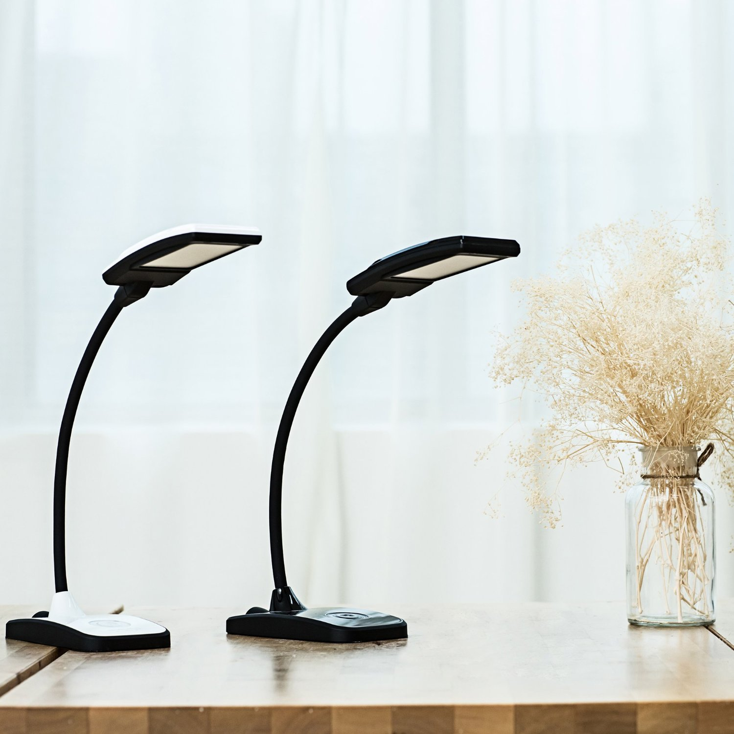 lampe oxyled t100 lampe de bureau led sympa et design. Black Bedroom Furniture Sets. Home Design Ideas