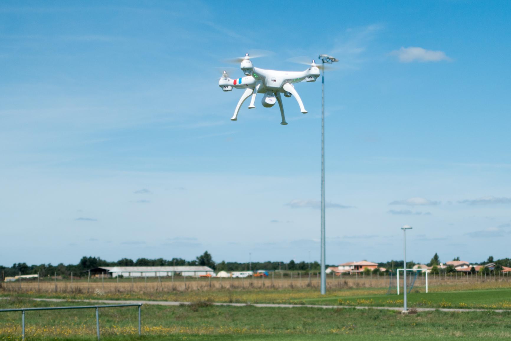 Syma X8C, quadcopter parfait pour débuter