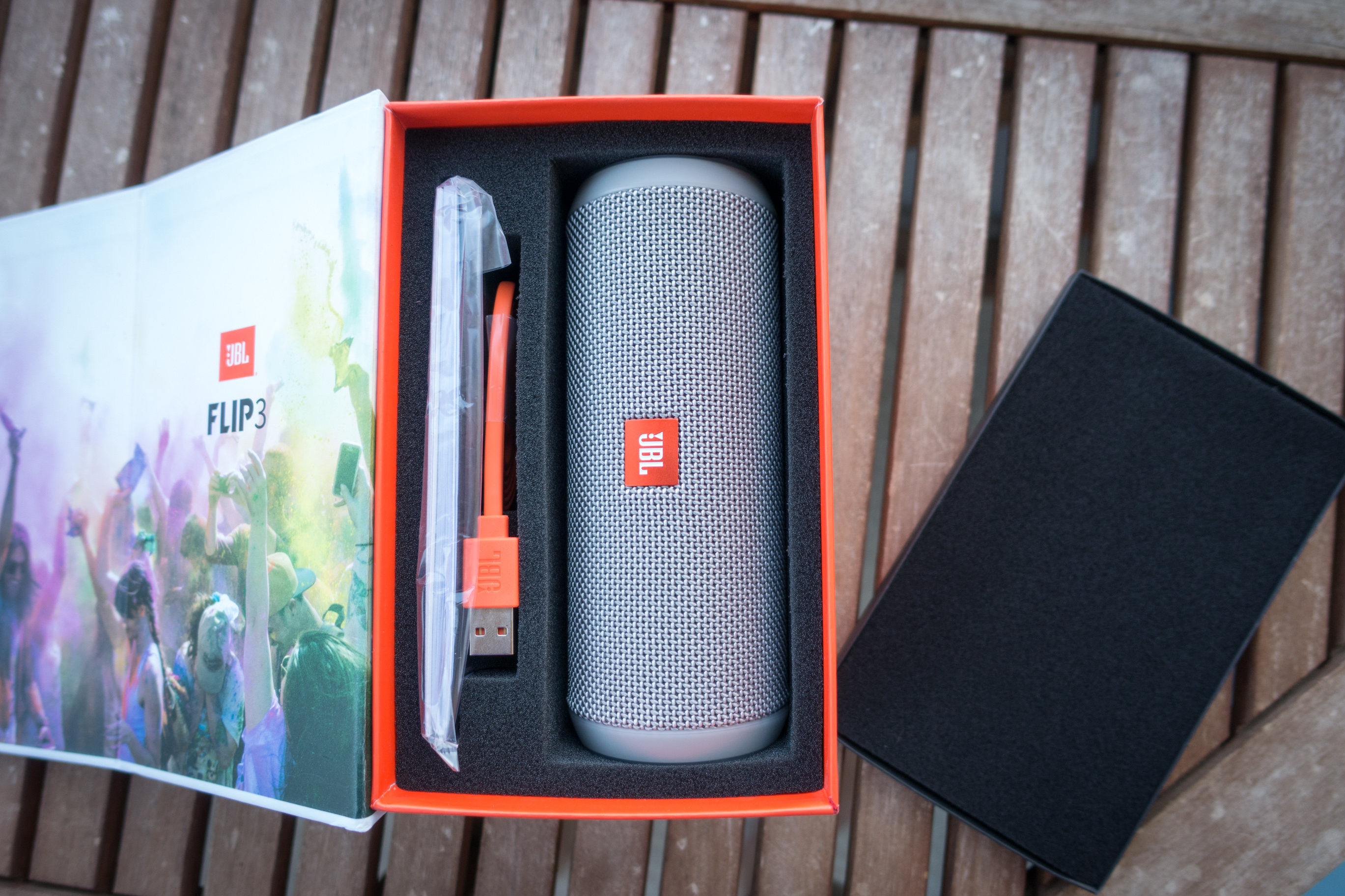 Le test du jbl flip 3 enceinte bluetooth de tr s haute for Housse jbl pulse 3